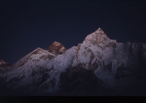 18  everest nuptsesunset P 0300