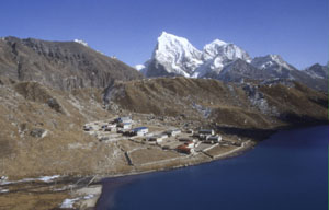 Gokyo 09 Lodges+chola tseP 0300