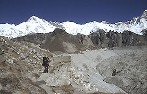 Gokyo 24 trekking to Fifth lakeP 0300
